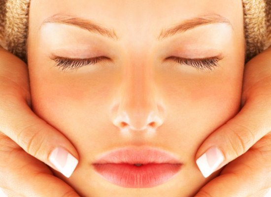 Oczyszczanie twarzy- sposoby i zalety popularnego zabiegu